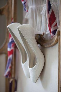 Rainbow Club Collection - Chaussure De Mariage, Sacs à Main, Voiles, et Accessoires | Rainbow Club