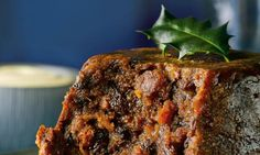 Delia Smith's Christmas lunch for under a head - Christmas Cake Recipe Edible Christmas Gifts, Christmas Food Treats, Christmas Lunch, Christmas Foods, Christmas Recipes, Christmas Ideas, Merry Christmas, Delia Smith, Irish Christmas Pudding Recipe