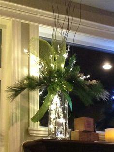 38 Inspiring Christmas Lantern Ideas for Outdoor Decoration Christmas Planters, Christmas Arrangements, Christmas Centerpieces, Outdoor Christmas, Rustic Christmas, Xmas Decorations, Christmas Projects, Winter Christmas, Christmas Home