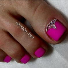 Having short nails is extremely practical. The problem is so many nail art and manicure designs that you'll find online Pretty Toe Nails, Cute Toe Nails, Glam Nails, Toe Nail Art, Beauty Nails, Pink Toe Nails, Pink Toes, Pedicure Designs, Manicure E Pedicure