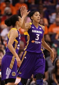 Candace Parker's career game ruins Sun's night.