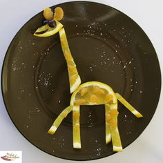 Food art for kids giraffe