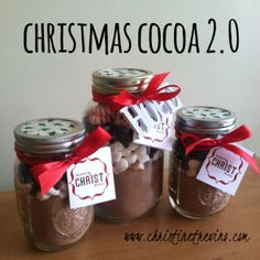 Christmas Cocoa + printables} Dolled up version of Christmas Cocoa DIY gift. Includes link to Martha Stewart's hot chocolate recipe and free printable gift tag/recipe card. Christmas To Do List, Free Christmas Gifts, Homemade Christmas, Kids Christmas, Christmas Baking, Cocoa, Craft Presents, Homemade Food Gifts, Classroom Treats