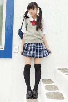 Japanese School Uniform Girl, School Uniform Fashion, School Girl Japan, School Girl Outfit, School Uniform Girls, Girls Uniforms, Japan Girl, Cute Asian Girls, Cute Girls