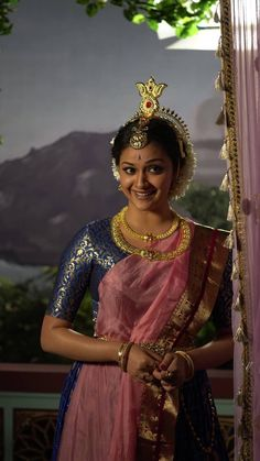 Keerthy Suresh @ Mayabazar Movie Making Stills from Mahanati Girl Photo Poses, Girl Photos, Bollywood Actress Bikini Photos, Budget Fashion, Fashion Tips, Women's Fashion, Glossier Girl, Saree Blouse Neck Designs, Cute Actors