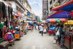 MANILA, PHILIPPINES – People at street market in Manila, Philippines. Manila is the capital of Philippines and the most densely populated city proper in the world. Philippines People, Visit Philippines, Philippines Culture, Manila Philippines, Philippines Travel, Boracay Hotels, Cancun Hotels, Beach Hotels, Shooting Guard