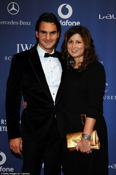 Roger Federer and his family visit Kensington Palace Lawn Tennis, Sport Tennis, Roger Federer Family, Mirka Federer, Sports Personality, Mr Perfect, Star Wars, Young Prince, Tennis Stars