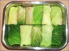 Wirsingrouladen aus dem Backofen – Bienenstube Savoy cabbage rolls from the oven – bee house Oven Recipes, Veggie Recipes, Cooking Recipes, Healthy Snacks, Healthy Eating, Healthy Recipes, Cabbage And Sausage, Savoy Cabbage, Homemade Burgers