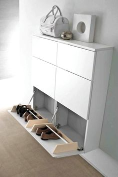 Super Cool Shoes Rack Design Ideas - Super Cool Shoes Rack Design Ideas If you're looking for shoe storage for an active family, then this easy DIY is for you. Free building plans to make your own super-sized shoe rack Wall Shoe Rack, Diy Shoe Rack, Shoe Racks, Shoe Rack Ikea, Shoe Rack Hallway, Shoe Cabinet Design, Shoe Storage Cabinet, Drawer Design, Best Shoe Rack