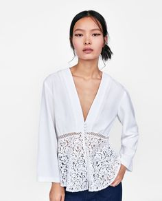 See an affordable & extremely versatile assortment of womanly ladies blouses. Blouses For Women, Ladies Blouses, Ladies Dress Design, Dress Patterns, Pretty Dresses, Blouse Designs, Zara, Boho Chic, Look