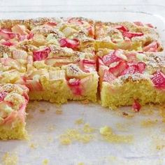 Lightning rhubarb cake recipe - Blitz rhubarb cake – [EAT AND DRINK] Informations About Blitz-Rhabarberkuchen Rezept Pin You can e - Rhubarb Recipes, Pie Recipes, Baking Recipes, Cookie Recipes, Food Cakes, Rhubarb Cake, Mexican Breakfast Recipes, Gateaux Cake, Mini Cheesecakes