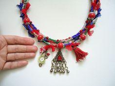 Bu hanımı emeksensin.com'dan tanıyorum ve el emeği otantik tarzını, ürünlerini beğeniyorum <3 Doğal Taşlı Kırmızı Otantik Kolye. 239859   zet.com