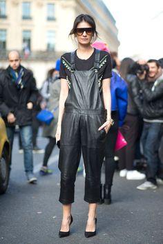 Street Style en noir. Leila Yavari at Paris Fashion Week 2015 #PFW