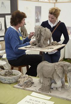 Linda Heaton-Harris at work on an Elephant sculpture Art in Action 2009 [Photo Copyright Kit Logan Photography. Photos taken with artists permission] Pottery Sculpture, Sculpture Clay, Pottery Art, Pottery Animals, Ceramic Animals, Ceramic Studio, Ceramic Art, Elephant Anatomy, Elephant Sculpture