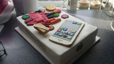 Iphone /make up cake