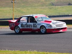Holden VH Commodore - Peter Brock Replica - MCM 2013 V8 Supercars, Car Painting, General Motors, Paint Ideas, Motor Car, Muscle Cars, Touring, Cool Cars, Race Cars