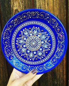 puntillismo                                                                                                                                                                                 Más Dot Art Painting, Mandala Painting, Pottery Painting, Ceramic Painting, Stone Painting, Mandala Dots, Mandala Design, Point Paint, Magic Design