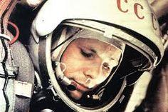 Картинки по запросу юрий гагарин в космосе