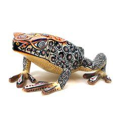 Oaxacan Wood Carvings Gallery Manuel Cruz Frog oaxacafinecarvings.com
