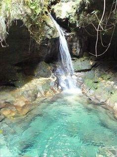 The Blue pool from Les Blue et noir Piscines dans Isalo national park