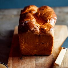When I first started baking bread, brioche was the one thing I found completely daunting. I feel the same way about brioche as I do about croissants. Brioche Loaf, Bagels, Naan, Beignets, Scones, Bread Recipes, Baking Recipes, Donuts, Gourmet