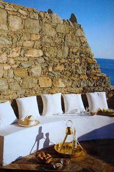 Outdoor Living  - Greece  Fantástico, simples e aconchegante, sem falar no visual da Natureza!
