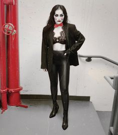Quick & Easy Halloween Costume Idea - Billy The Puppet Two Ways — Cafe Carrie Quick Easy Halloween Costumes, Jigsaw Halloween Costume, All Black Halloween Costume, Diy Halloween Costumes For Women, Halloween Looks, Halloween Fashion, Halloween 2020, Jigsaw Costume Women, Halloween Outfits