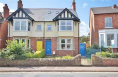 For Sale - £425,000 5 Bedroom Semi-detached House - Banbury