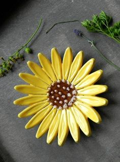 Excited to share the latest addition to my shop: Sunflower Ceramic Ring Dish Flower Pottery Jewelry Plate Home Decoration Yellow with Brown Trinket Dish Christmas Gift for Her Ceramic Bowls, Ceramic Pottery, Pottery Art, Ceramic Art, Pottery Gifts, Ceramic Decor, Pottery Bowls, Ceramic Flowers, Clay Flowers