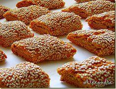 Παξιμαδάκια με σουσάμι - Biscotti with sesame @magyreuontas.blogspot.gr Greek Sweets, Greek Desserts, Greek Recipes, Greek Cake, Eat Greek, Biscotti, Greek Cookies, Pastry Cook, Biscuit Cookies