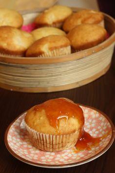Briose in dar :) - Taste Bazaar Caramel, Muffins, Breakfast, Desserts, Food, Pie, Sticky Toffee, Morning Coffee, Tailgate Desserts