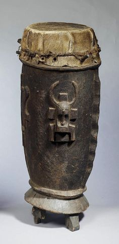 Africa | Drum from the Senufo people; wood and animal hide