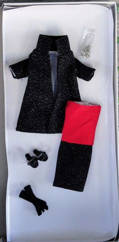 Offered for sale in a 10 day Ebay auction. Tonner City Sleek 10.5 In. Revlon Doll Outfit Only, 2011, New, MIB #TonnerDollCo #ClothingAccessories