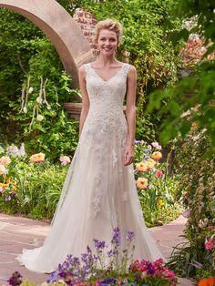 Rebecca Ingram Fall 2017: Sweet, Romantic Wedding Dresses Fit for a Princess | TheKnot.com