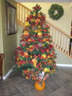 Thanksgiving Tree 2010 Holiday Tree, Christmas Holidays, Christmas Tree, Holiday Decor, Autumn Day, Autumn Trees, Thanksgiving Tree, Fall Deco, Tree Decorations