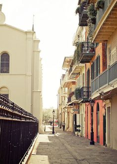 Pirate Alley, French Quarter, New Orleans