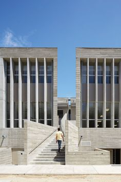 BARCLAY&CROUSSE — UNIVERSITY FACILITIES UDEP