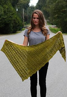 Ravelry Ravelry: Endsleigh pattern by Melissa Thomson - This pattern is part of the Sweet Fiber Accessories e-book. Knit Or Crochet, Lace Knitting, Crochet Shawl, Crochet Bikini, Shawl Patterns, Knitting Patterns, Ravelry, Knitted Shawls, Knit Scarves