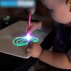 LED DRAWING PAD - Made to stimulate the minds of kids and let them use their creativity. Making it easy and fun to do - Cool Inventions, Christmas Toys, Xmas, Creative Thinking, Kids Gifts, Best Gifts For Kids, Toddler Activities, Cool Gifts, Kids And Parenting