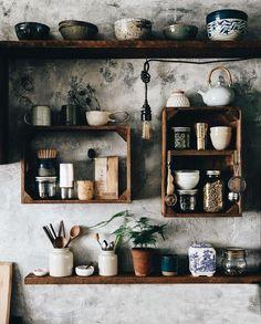 Kitchen Interior, Kitchen Decor, Kitchen Ideas, Boho Kitchen, Vintage Kitchen, Kitchen Grey, Decorating Kitchen, Kitchen Tables, Kitchen Furniture