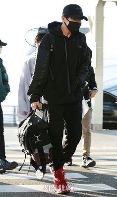 Jungkook ❤ || 171129 BTS heading to Hong Kong for MAMA!!!