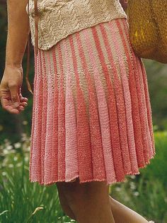 Free Pattern: Ashley by Trudy Van Stralen. Lovely drape to this pattern. I can see a shawl or poncho.