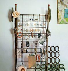 DIY Jewlery DIsplay Tutorial at Saved By Love   http://craftsandcreationsideas74.blogspot.com