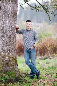 Boy+Senior+Pictures+at+Mayflower+Dairy+Farm