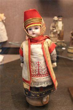 Малышки Шраера и Фингергута из музея игрушки в Сергиевом Посаде / Музеи игрушки, магазины кукол, экскурсии на фабрики / Бэйбики. Куклы фото. Одежда для кукол Doll Museum, Antique Dolls, Harajuku, Antiques, Toys, Style, China Dolls, Lilac, Antiquities
