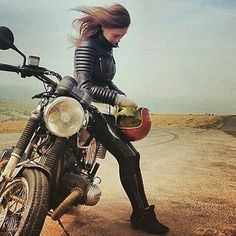 Real Motorcycle Women - the.cafe.racer