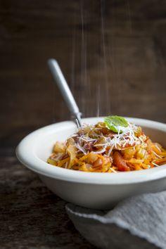 Fennel pasta with sweet potato spagetti. http://www.jotainmaukasta.fi/2015/01/08/fenkoli-tomaattikastike-ja-bataattispagetti/