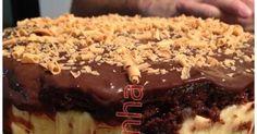 Gente esse bolo é coisa de louco, inspirado a partir de duas receitas, super recomendo uma massa fantástica que adaptei do blog da Déb...