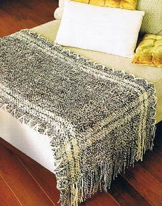 Telares Cachicadán: Tapetes en Telar María Moroccan Wedding Blanket, Woven Wrap, Ethnic Patterns, Loom Weaving, Shag Rug, Sweet Home, Rugs, Bed, Fabric