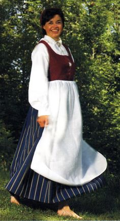 FolkCostume&Embroidery: Search results for norwegian costumes. everyday bunad for women Norwegian Clothing, Beautiful Costumes, Folk Costume, Norway, Folk Art, Culture, Embroidery, Clothes, Dresses